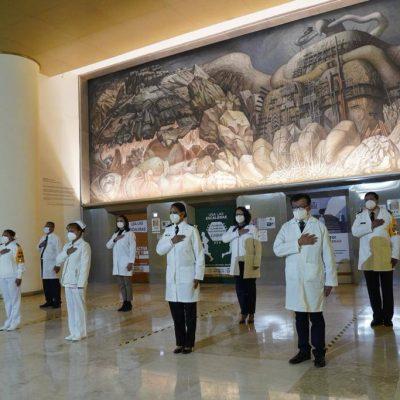 Seis trabajadores del IMSS Yucatán reciben la presea Miguel Hidalgo Grado Cruz