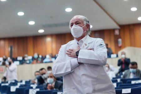 Felipe Cruz Vega, médico del IMSS, presidirá la Academia Mexicana de Cirugía 2021-2022