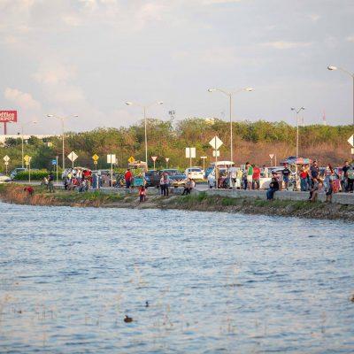 El 'malecón' de Pensiones, un fenómeno social en Mérida