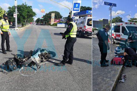 Motociclista de 18 años se vuela el alto y lo atropella una camioneta