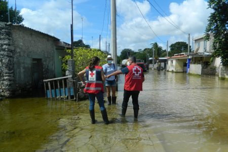 Xcunyá: cinco semanas entre agua; Cruz Roja prepara ayuda para evitar enfermedades