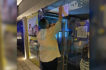 Por laborar fuera de horario permitido clausuran bar en Plaza Boulevard 21