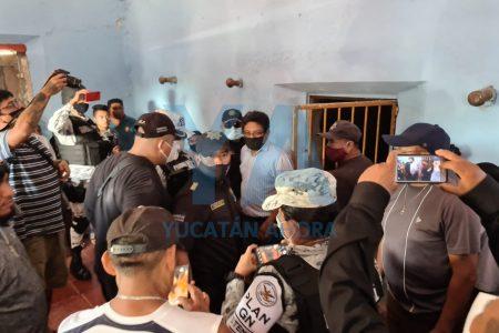 Pobladores encarcelan a regidor por anunciarles la suspensión de una obra