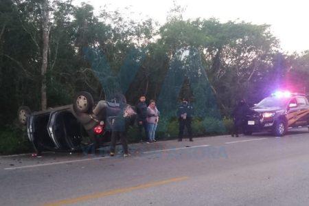 Mañanero accidente juvenil en la carretera Mérida-Cancún