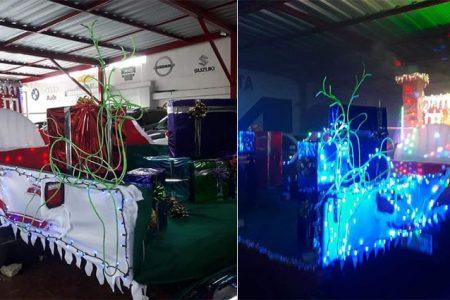 Yucatecos adaptan remolque como trineo para dar regalos a niños y abuelos en navidad