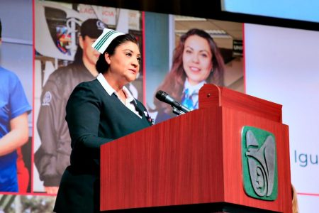 La Jefa Fabiana pide a los mexicanos que se queden en casa en la época navideña