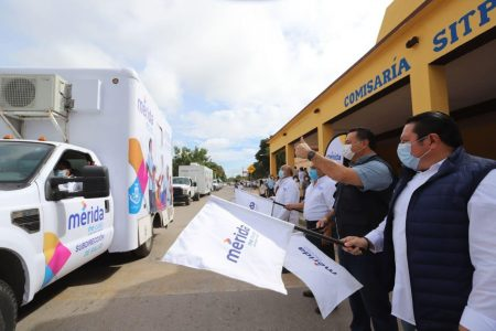 El alcalde Renán Barrera inaugura la Caravana de la Salud