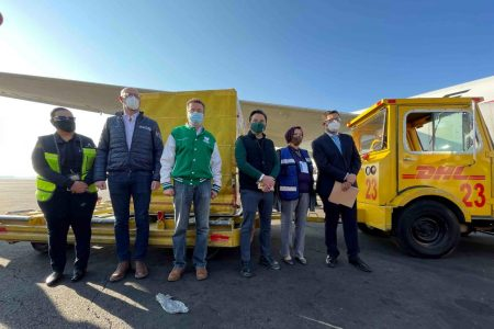 Llegan dos cargamentos más de vacunas Pfizer-BioNTech contra Covid-19