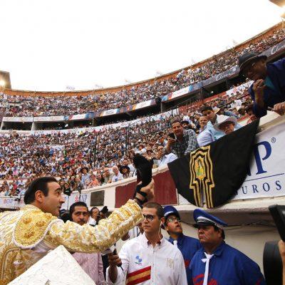 El ámbito deportivo se unió al luto por fallecimiento de Armando Manzanero