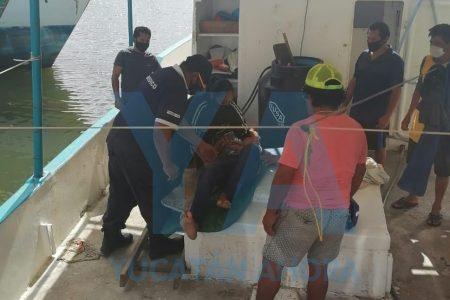 Mal jaló un cabo marino y azotó en un barco