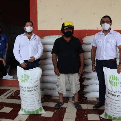 Gobierno del Estado apoya a productores apícolas con azúcar para las abejas