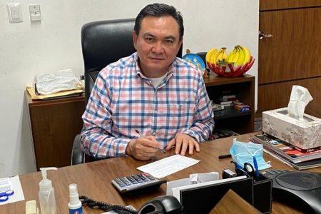 Renuncia al PRI Liborio Vidal Aguilar, empresario de Valladolid