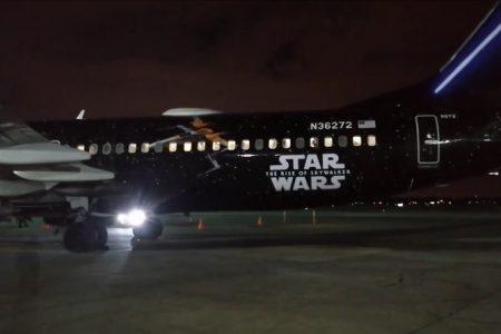 Aterriza en Mérida avión de Star Wars, la Guerra de las Galaxias