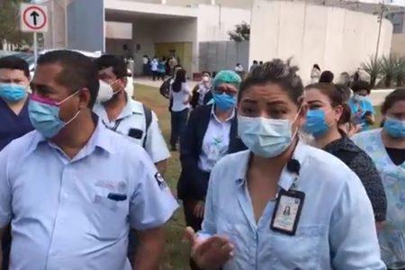 Protestan en el Hospital de Alta Especialidad porque no han recibido vacuna contra Covid-19