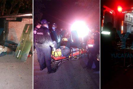 Vuelca una camioneta: ocho lesionados y un conductor desaparecido