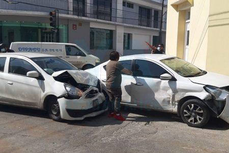 Provoca mañanero choque en el centro de Mérida