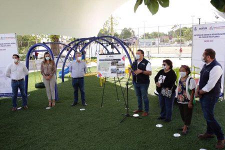 Entregan rehabilitación de parque en la colonia Miraflores