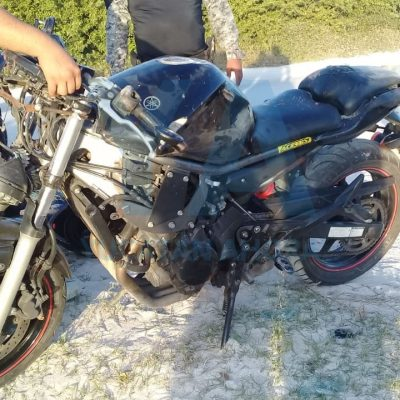 Joven militar derrapa con su moto en el Playón de Chuburná Puerto
