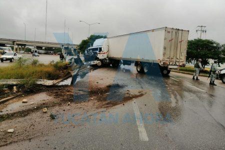 Desastroso accidente en la entrada a Mérida vía Cancún