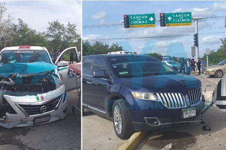 Taxista lesionada por ignorar un alto y provocar choque