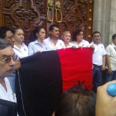 En puerta huelga en la Uady