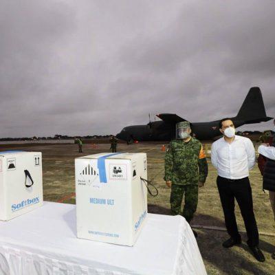 Llegan las primeras vacunas contra Covid-19 a Yucatán