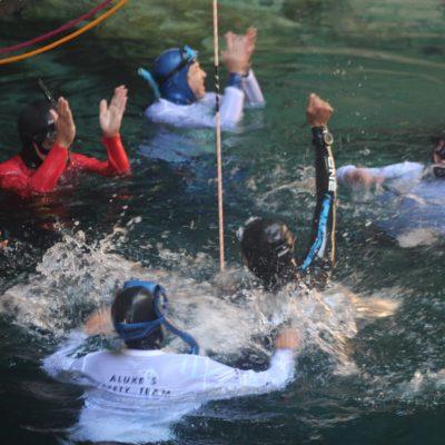 Desde un cenote de Yucatán, el apneísta Alejandro Lemus rompe récord mundial