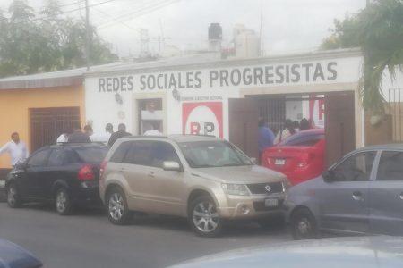 Vecinos de Polígono 108 denuncian aglomeración en local de nuevo partido