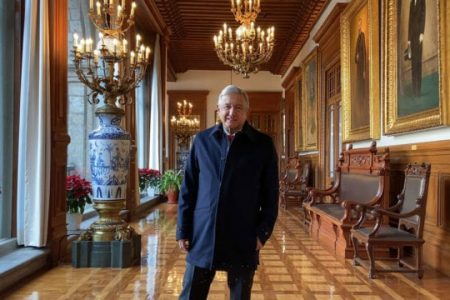 Reaparece el presidente AMLO en Palacio Nacional