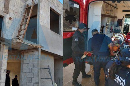 Albañil herido en Kanasín: se rompe la escalera y cae de una altura de seis metros