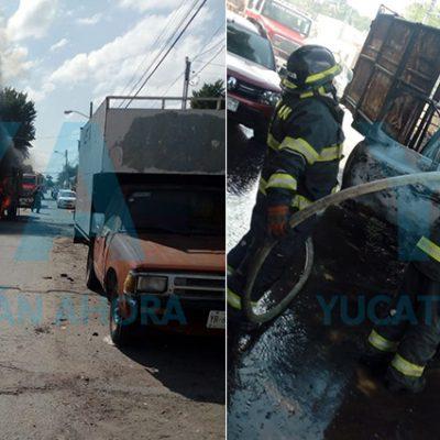 Se consume una camioneta tras incendiarse por un cortocircuito
