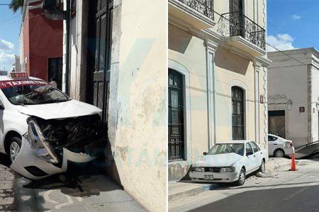 Taxi choca contra un Tsuru en el centro de Mérida