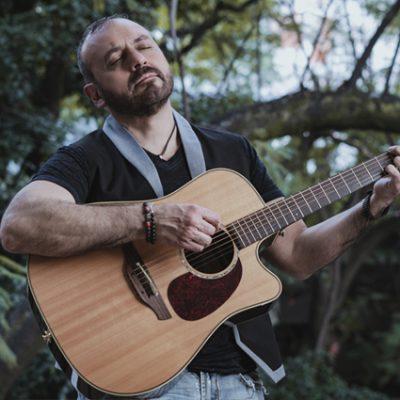 Rafael Loar presenta Caminar Contigo, tercer sencillo de su producción solista Al cielo en Bicicleta