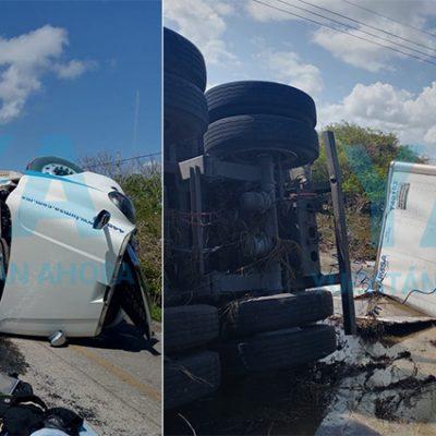 Camión de paquetería huye tras chocar un tráiler que volcó con toneladas de sal