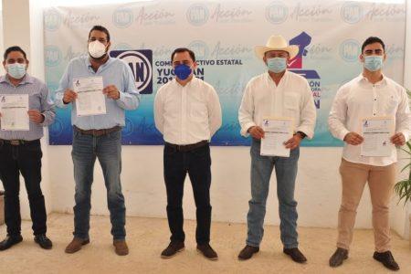 Se registran Pedro Couoh y Esteban Abraham como precandidatos a la alcaldía y la diputación por Tizimín
