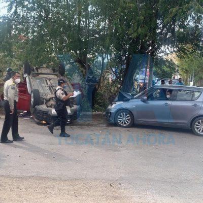 Choque y volcadura en Montecristo