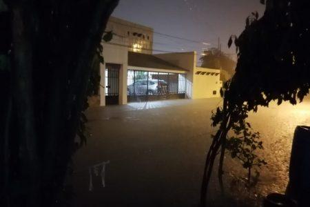 Aguacero nocturno precede la llegada del frente frío 36 a Yucatán
