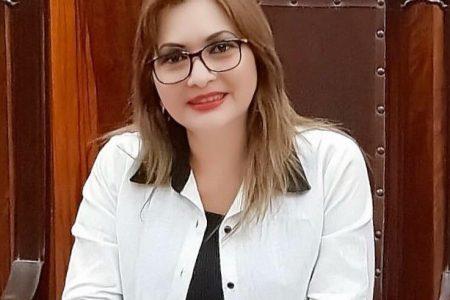 Renuncia al PRI la regidora Alejandrina León Torres