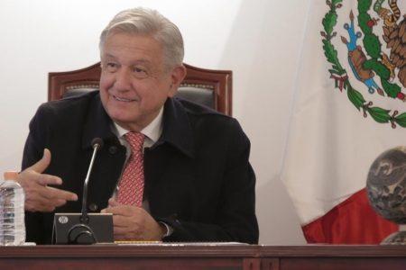 AMLO lamenta muerte de militares en accidente aéreo y del senador Radamés Salazar