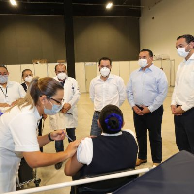 Avanza la vacunación contra Covid-19 del personal de Salud en Yucatán