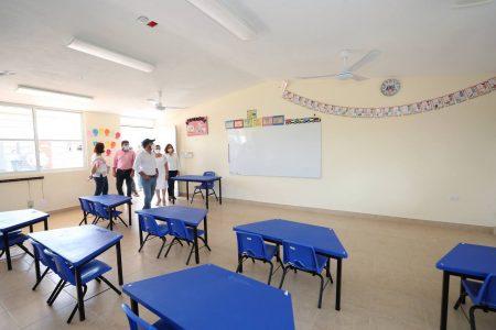 Nuevos espacios educativos y más mobiliario para estudiantes del oriente de Yucatán