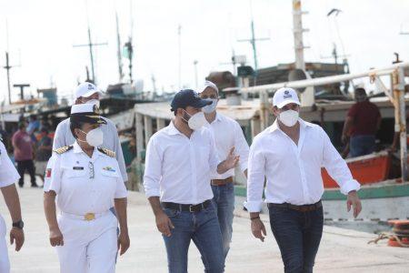 Entregan modernización y rehabilitación del puerto de abrigo de Yucalpetén