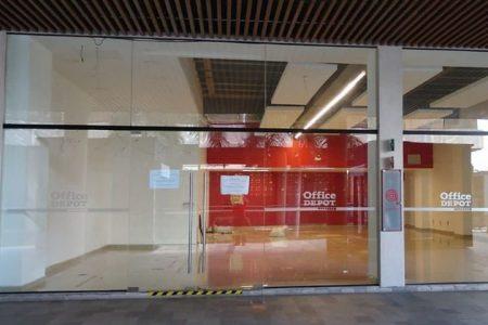 Agarró y cerró Office Depot de Urban Plaza… y no los quieren liquidar