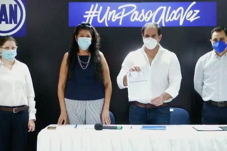Julián Zacarías va por la reelección: se registra como aspirante del PAN en Progreso