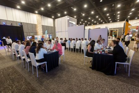 Reanudan eventos sociales en Yucatán; buscarán permitir bodas, XV años y bautizos