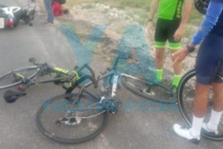 Choca una moto contra dos ciclistas que se ejercitaban: un hospitalizado