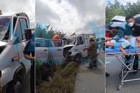 Fuerte choque deja cuatro heridos en la Mérida-Progreso