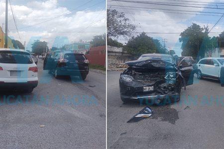 Choque de camionetas deja cuatro heridos