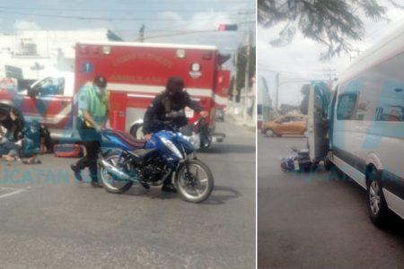 Chocan una moto que no respetó un semáforo: dos heridos