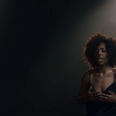"""Fela Domínguez, premiada por su papel en el Rey León, presenta sencillo """"Un lugar mejor"""""""